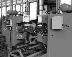 图1:复合箍筋自动焊接机.png